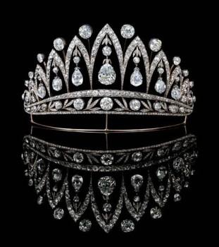 60-tiara