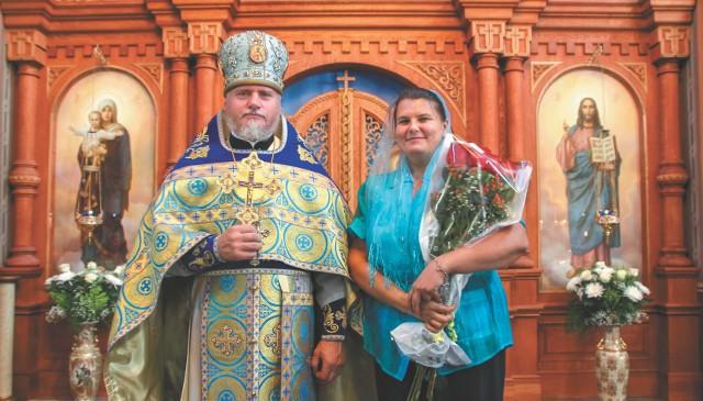 Отец Святослав и матушка Наталья, регент церковного хора Владимирского собора