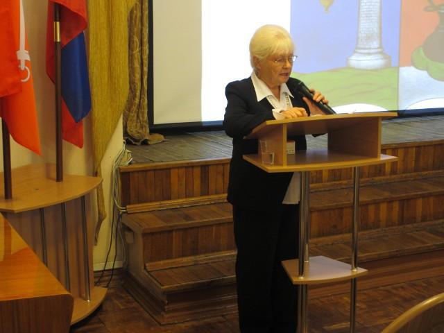 С отчётным докладом выступает  Лилия Андреевна Киселёва